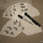 Et trick er at skrive på en kaffepose, så jævner teksten sig ud.