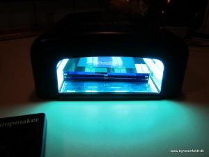 Så lægges sandwichen i lampen og belyses i forhold til brugsvejledningen. 6 + 140 sekunder.